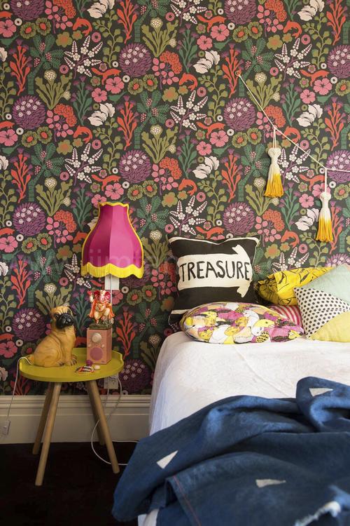 rengarenk-yatak-odasi-dekorasyonu-1
