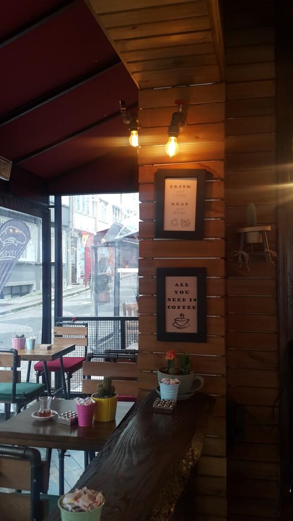 kahve-atelyesi-duvar-yazilari