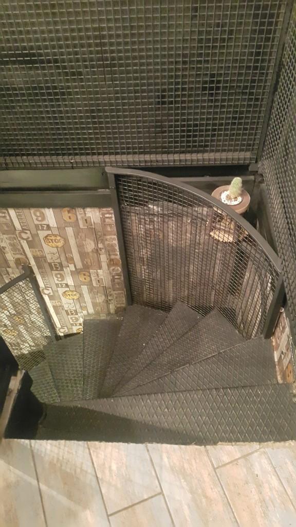 kahve-atelyesi-merdivenler