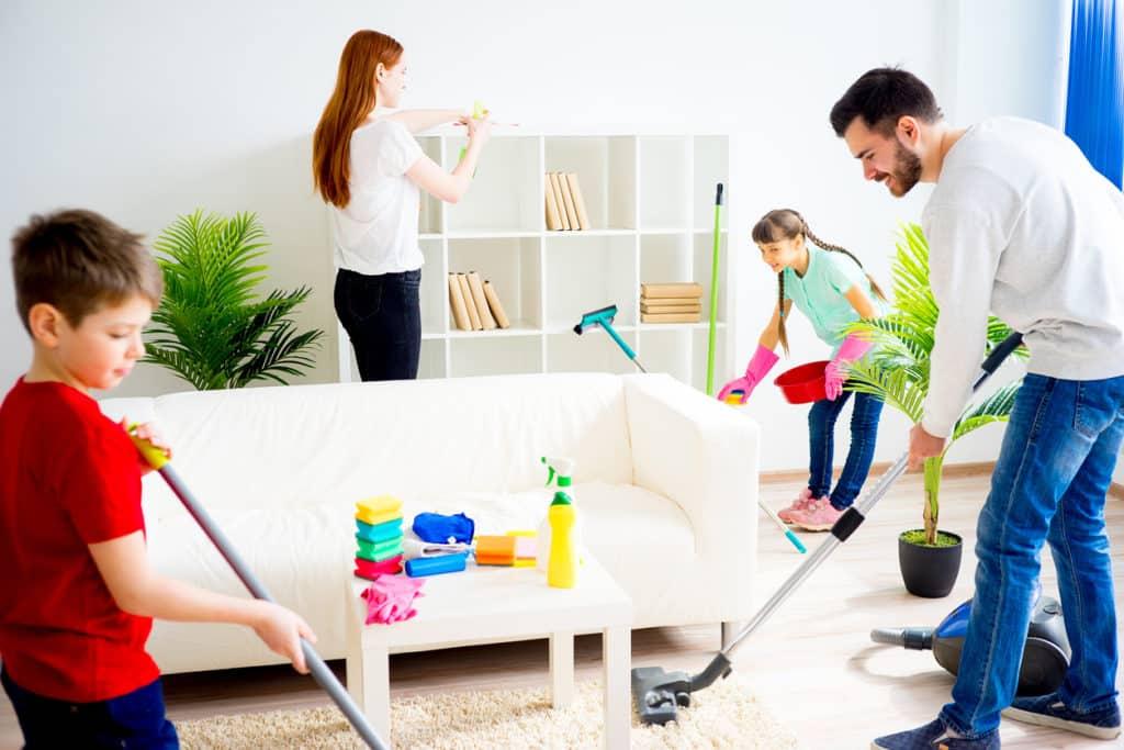 çalışan kadınların temizlik planı nasıl olmalı