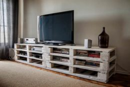 Evde TV Ünitesi Yapımı: Ahşap ve Paletten TV Ünitesi Fikirleri
