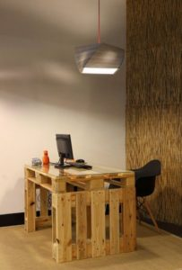ahşap paletten çalışma masası fikirleri