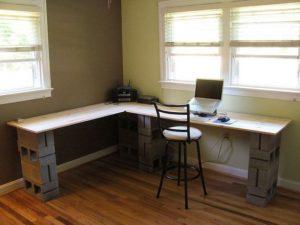 tuğla ve tahtadan çalışma masası yapımı