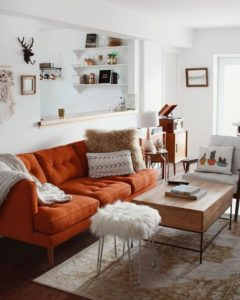iskandinav turuncu koltuk dekorasyonu