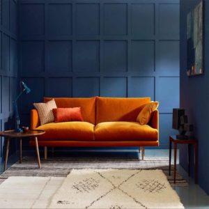 turuncu koltuk uyumlu duvar rengi