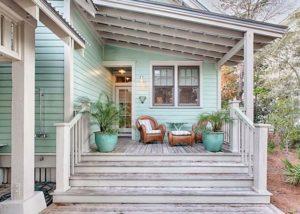 verandalı müstakil ev girişi