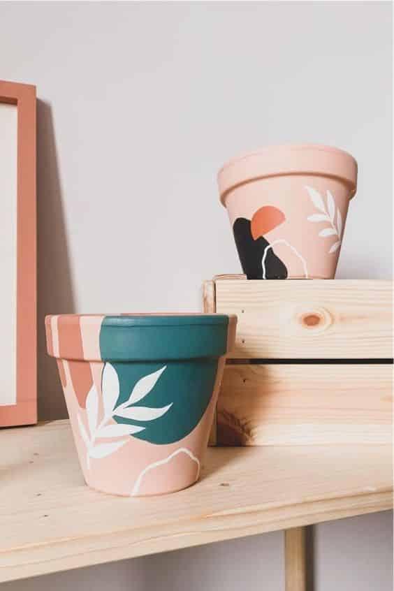 yaprak desenli saksı boyama