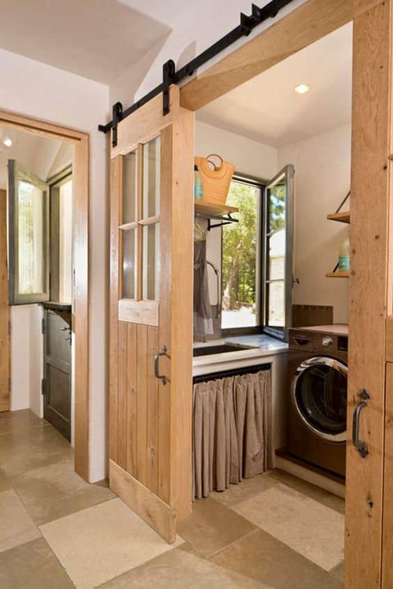 çamaşır odası için sürgülü kapı kullanımı