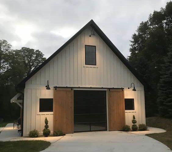 garaj kapısı sürgülü ahşap ahır kapısı